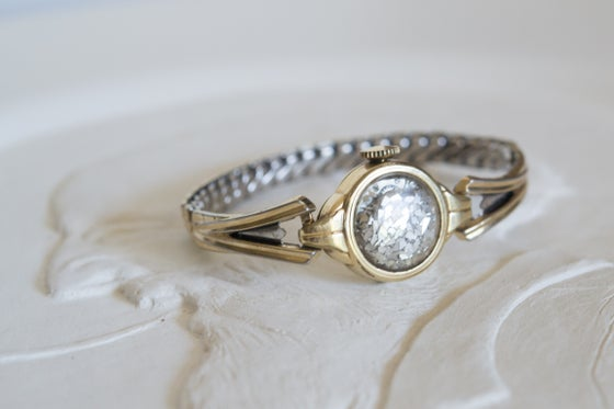 Image of Art Deco round gold fairydust band