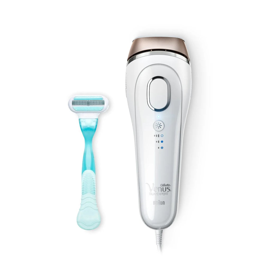Image of Silk-expert 5 BD5001 IPL with Gillette Venus razor.