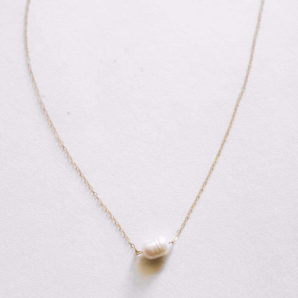 Image of The Single Pearl