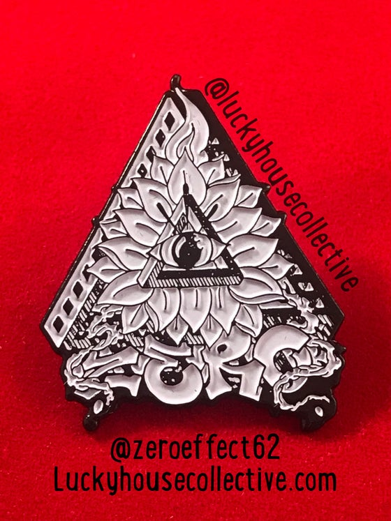 Image of Zero enamel pin