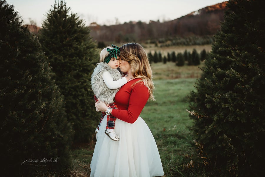 Image of 2019 Tree Farm Family Mini-Sessions @ Bennie's Nursery