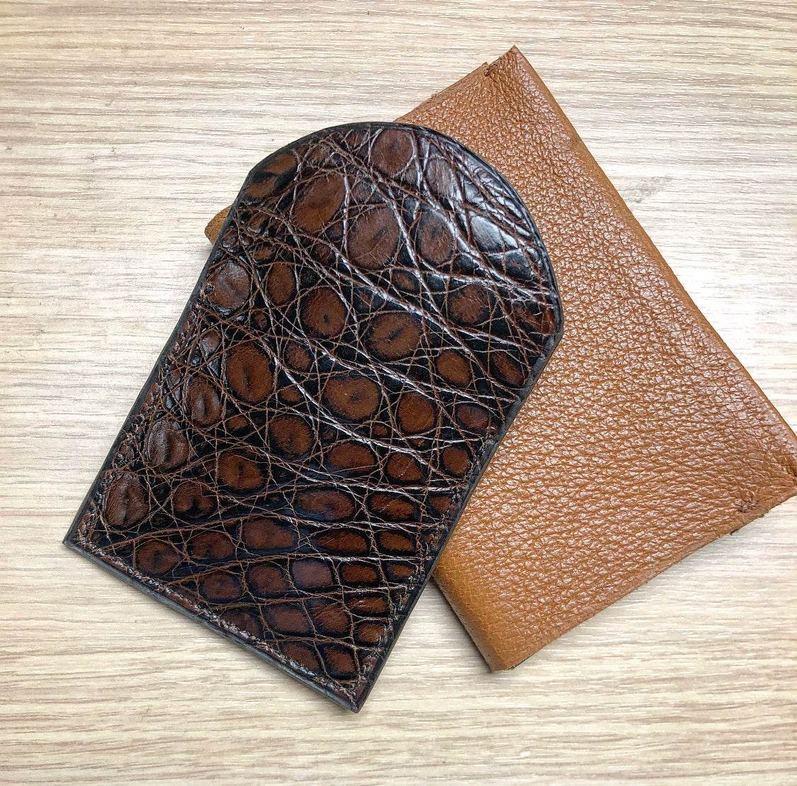 Image of Slim brown crocodile cardholder - Keep All