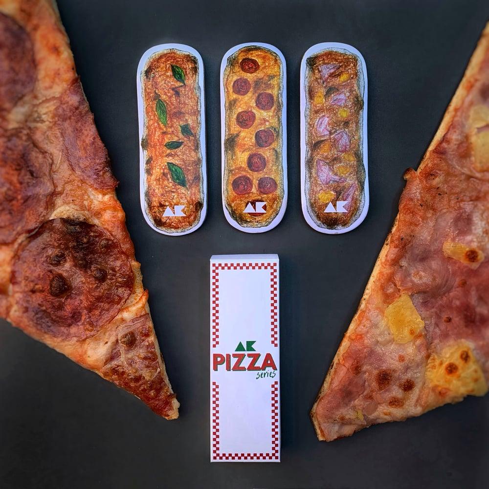 """Image of """"AK pizza"""" box"""