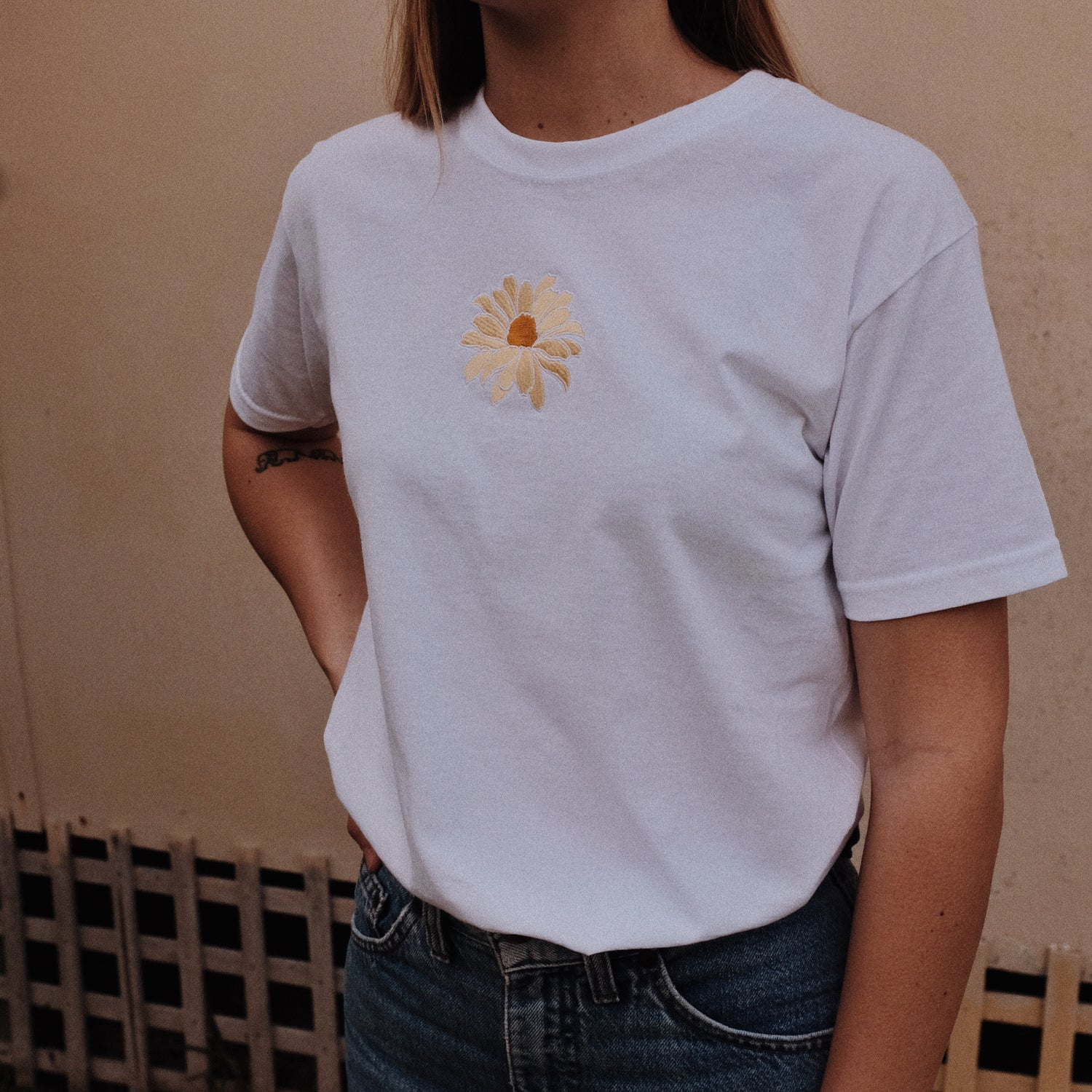 Image of Dazed over Daisies Adult Tee