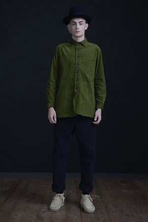Image of HUGUENOT SHIRT CORDUROY - GRASS £190.00