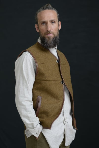 Image of LEATHER GILET - TAN BROWN