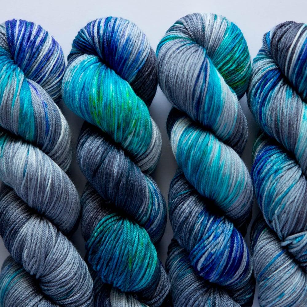 Image of Nube Fingering - Feeling Blue