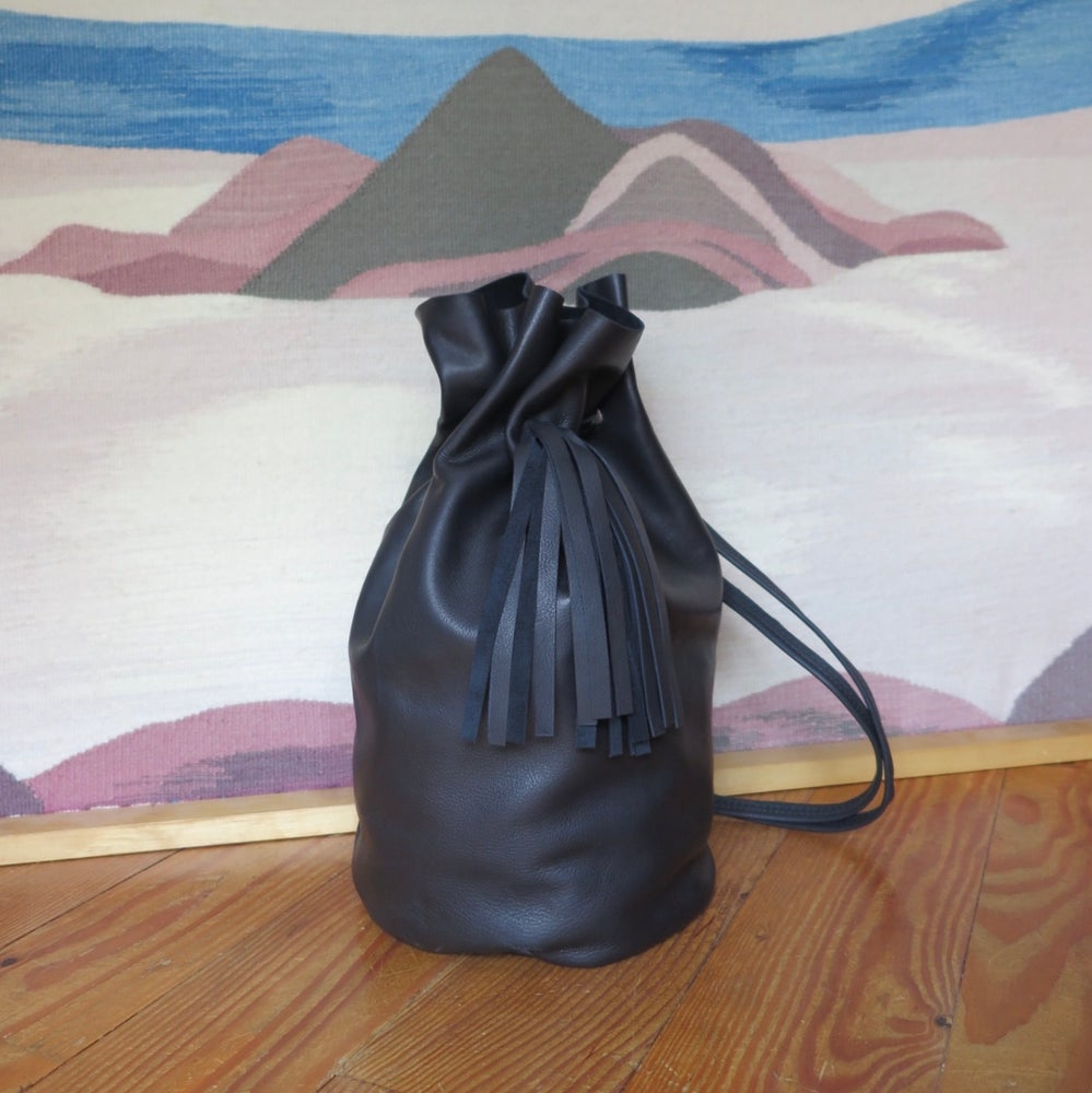 Image of matte black Tory