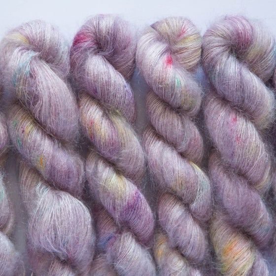 Image of Fluffy Lace - Biblioteca