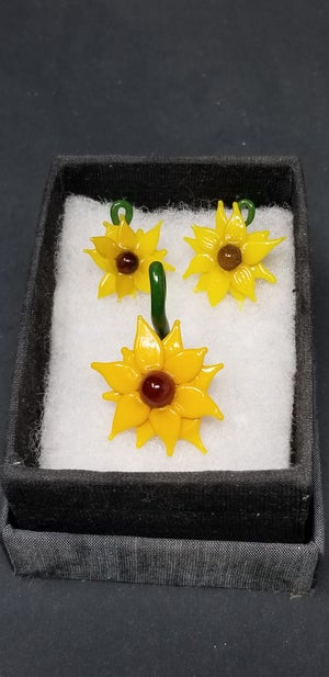 Image of Sunflower earrings and pendant set