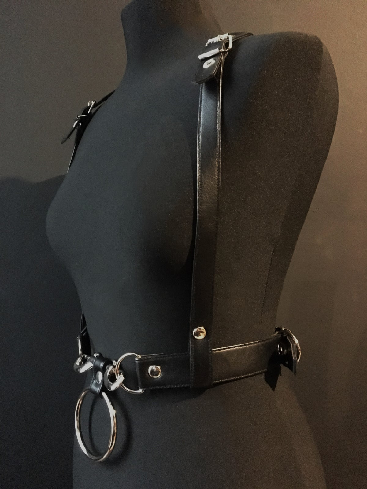Gotte harness vegan leather