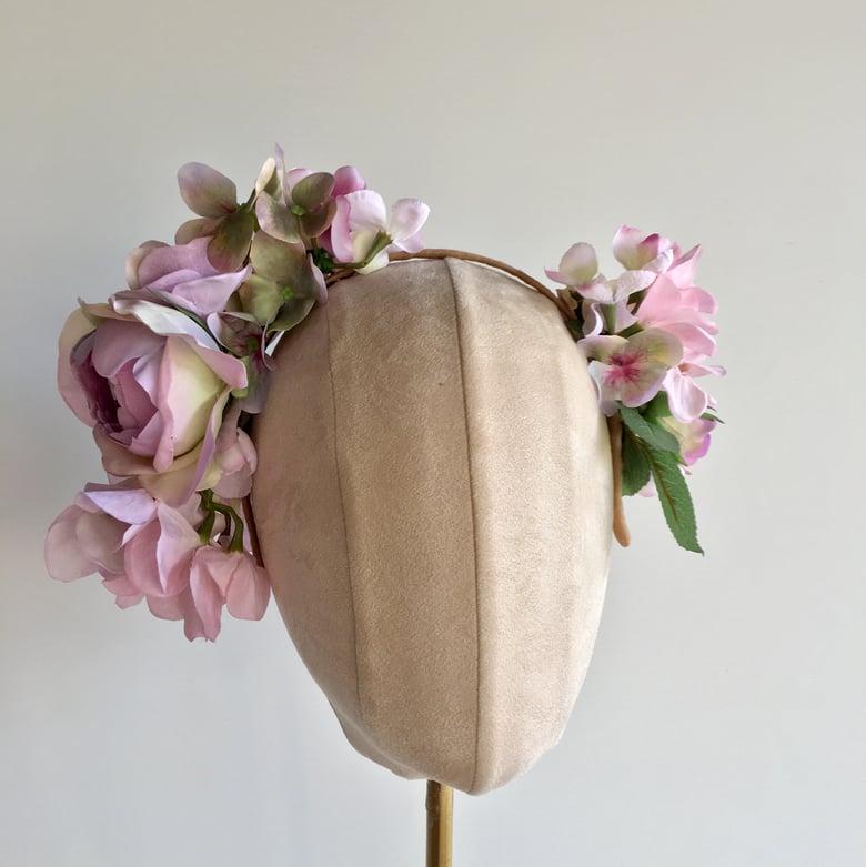 Image of Pretty lilac flower headpiece
