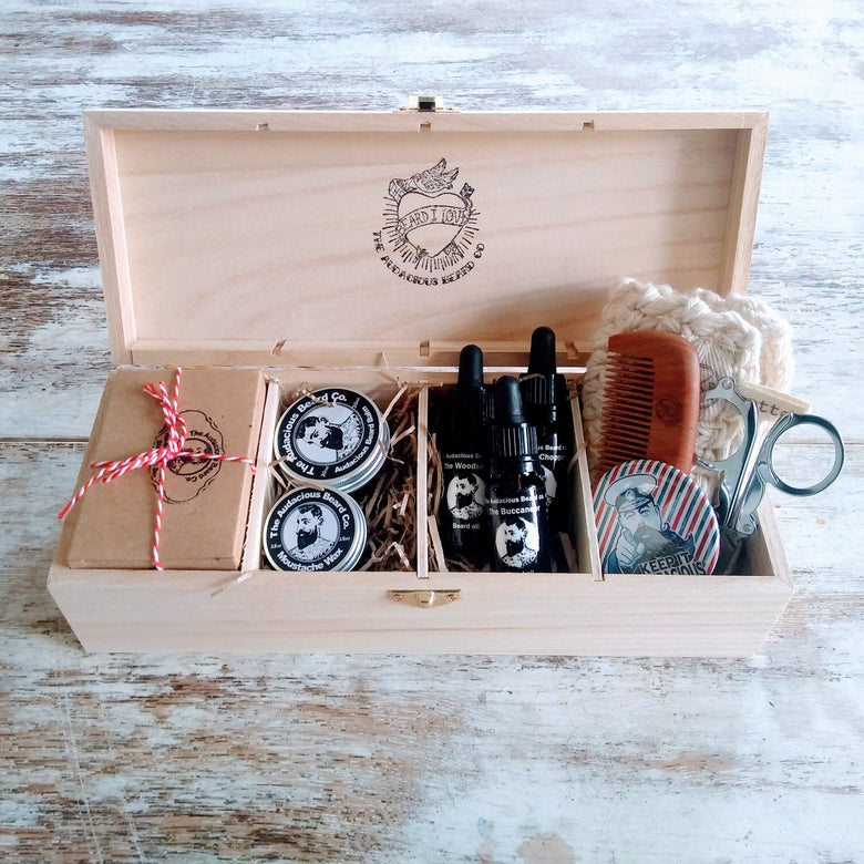 Image of  The Audacious Deluxe Gift Box with 4 compartments