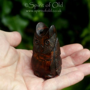 Image of Ancient bog yew owl amulet (DAM399)
