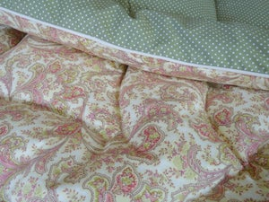 Image of Pretty Cream And Green Single Eiderdown