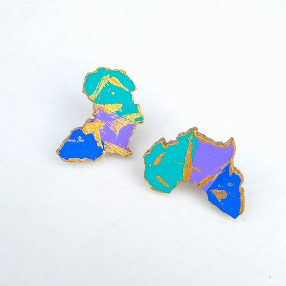 Image of Retro Africa Stud Earrings