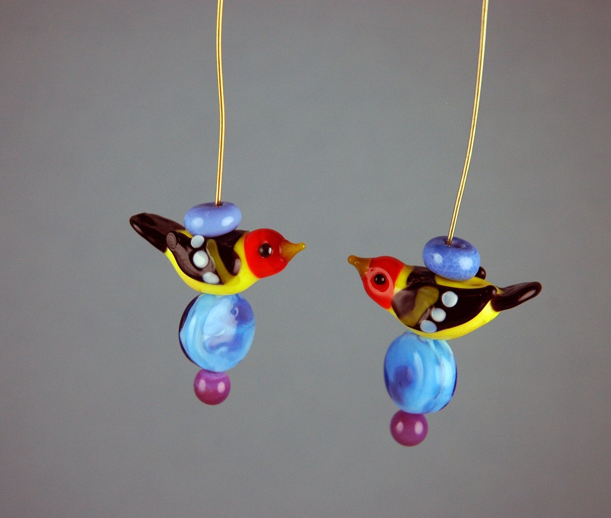 Image of Pair of Western Tanagers on headpins