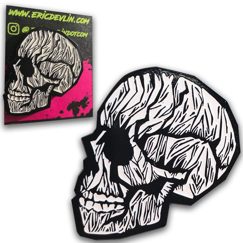 "Image of ""Skull"" Enamel Pin"