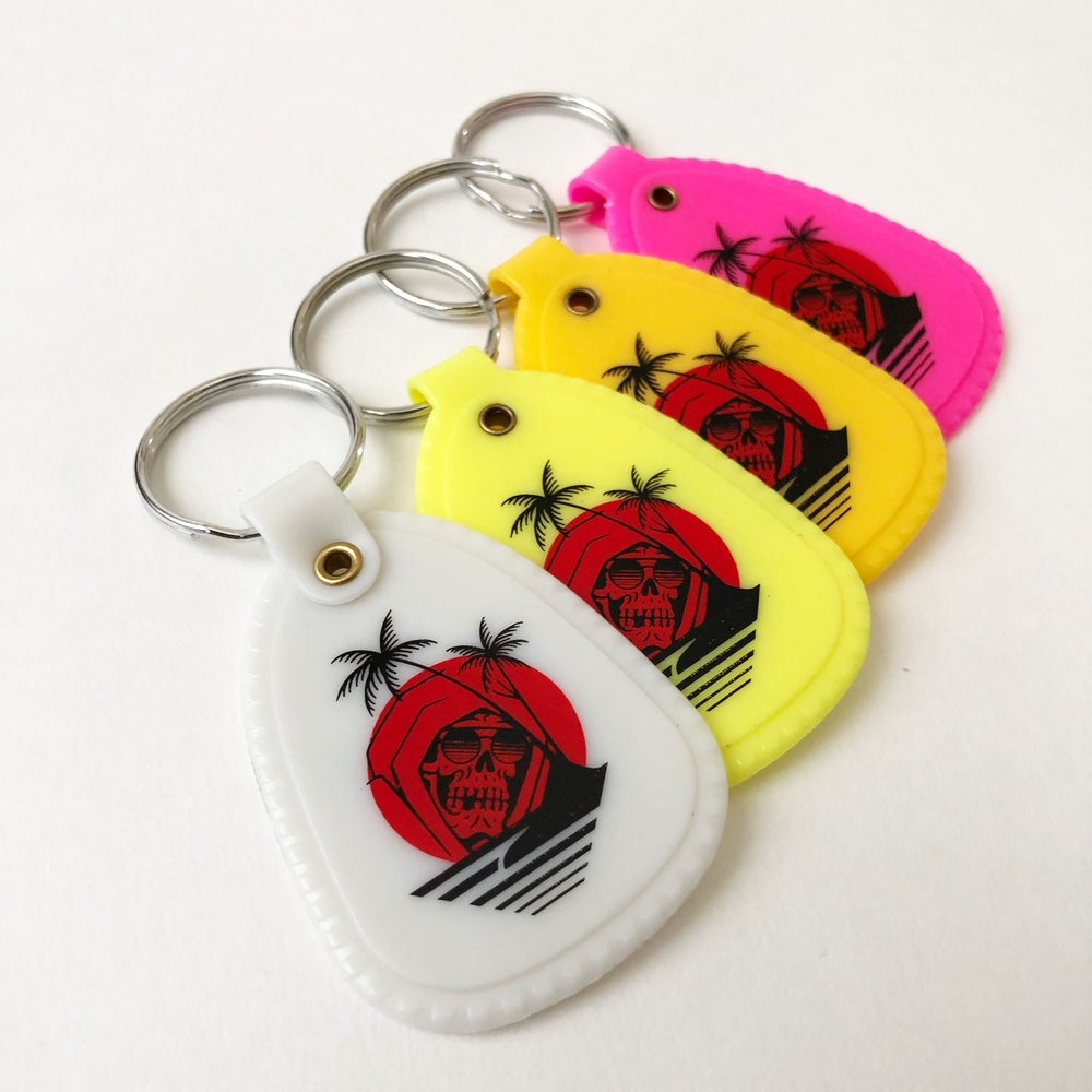 Image of DEATH IN PARADISE KEYCHAIN