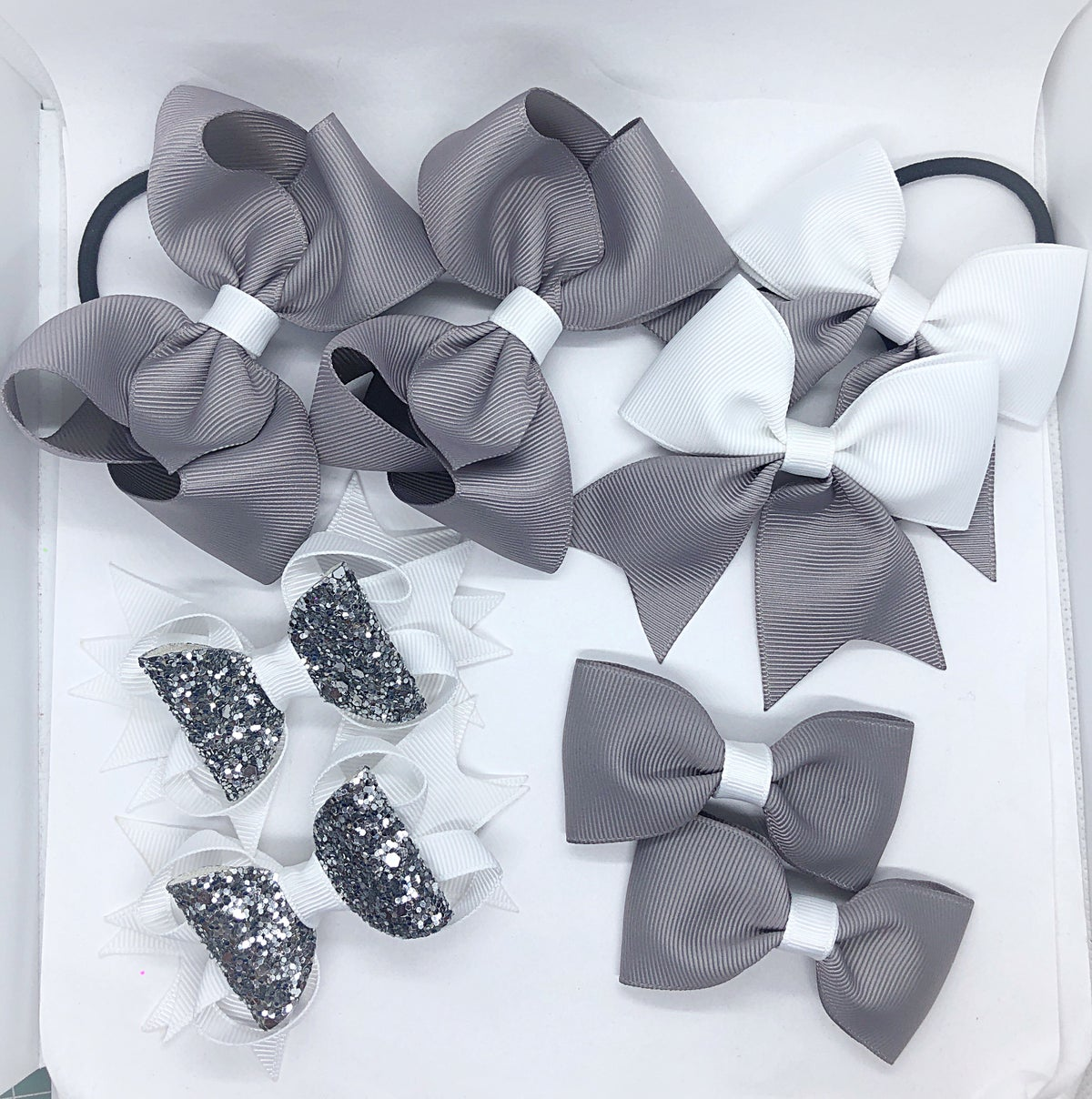 Image of School sets 8 bows