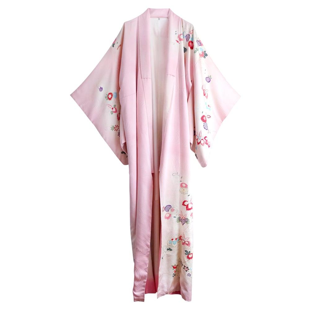 Image of Lyserød silke kimono med små blomster m guldkanter