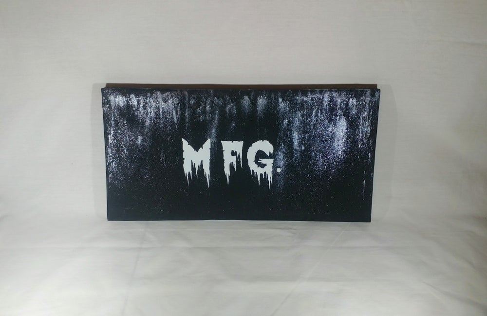 "Image of Black Metal Mfg. Paintings 8"" x 16"""