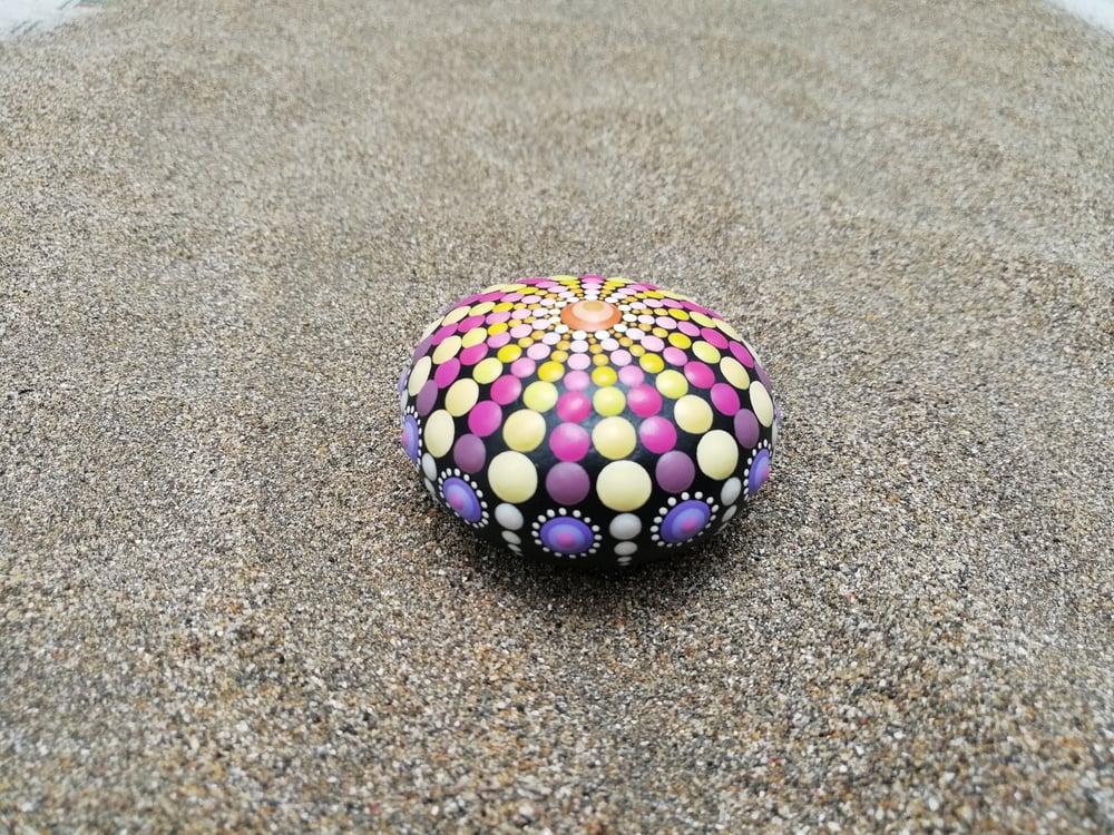 Image of Sea urchin stone 15 Yellow, pink, purple - Dot Art by Alberto Martin