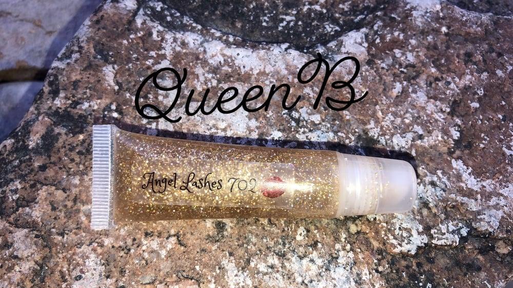 Image of Queen B