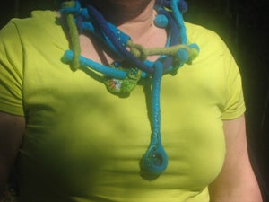 "Image of felt necklace ""connection"""
