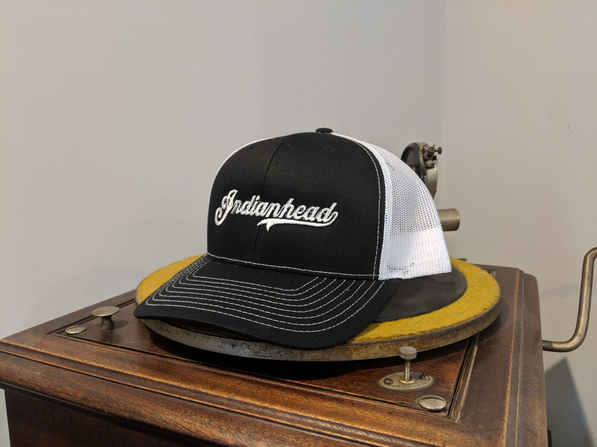 Image of Trucker hat Black and White