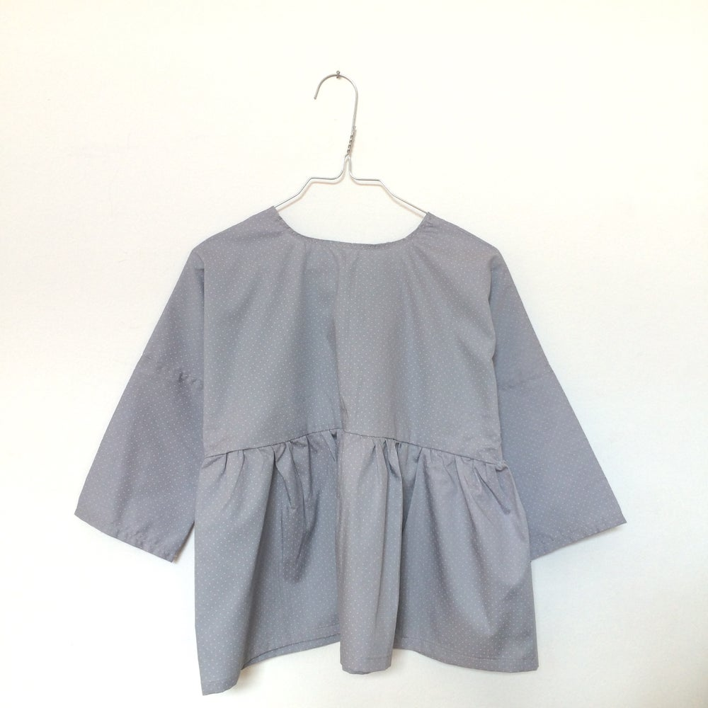 Image of Rosa Blouse- different grey patterns