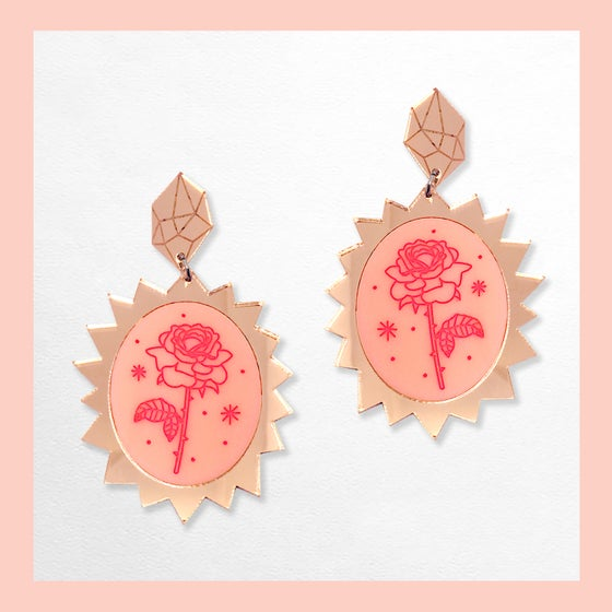 Image of In The Rose Garden - Rose Bursts (Rose Gold/Peach-Pink)