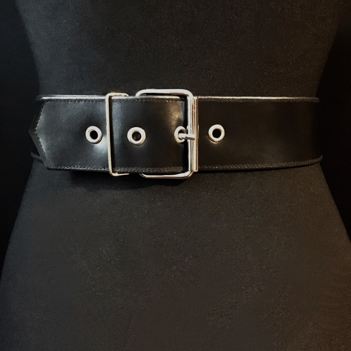 Chain and ring waist belt