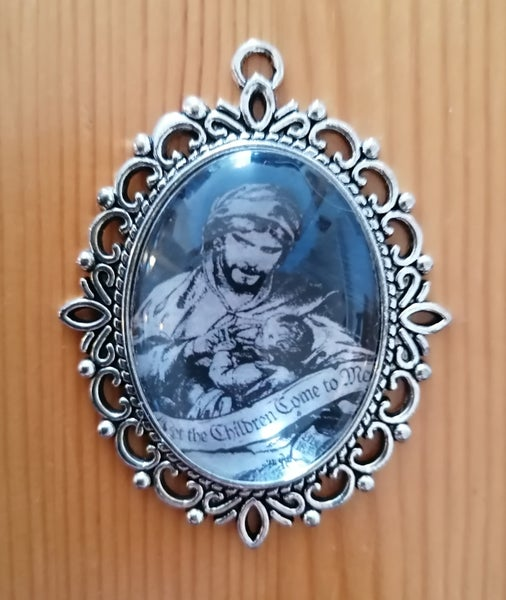 """Image of Shining """"Let The Children Come To Me"""" Pendant"""