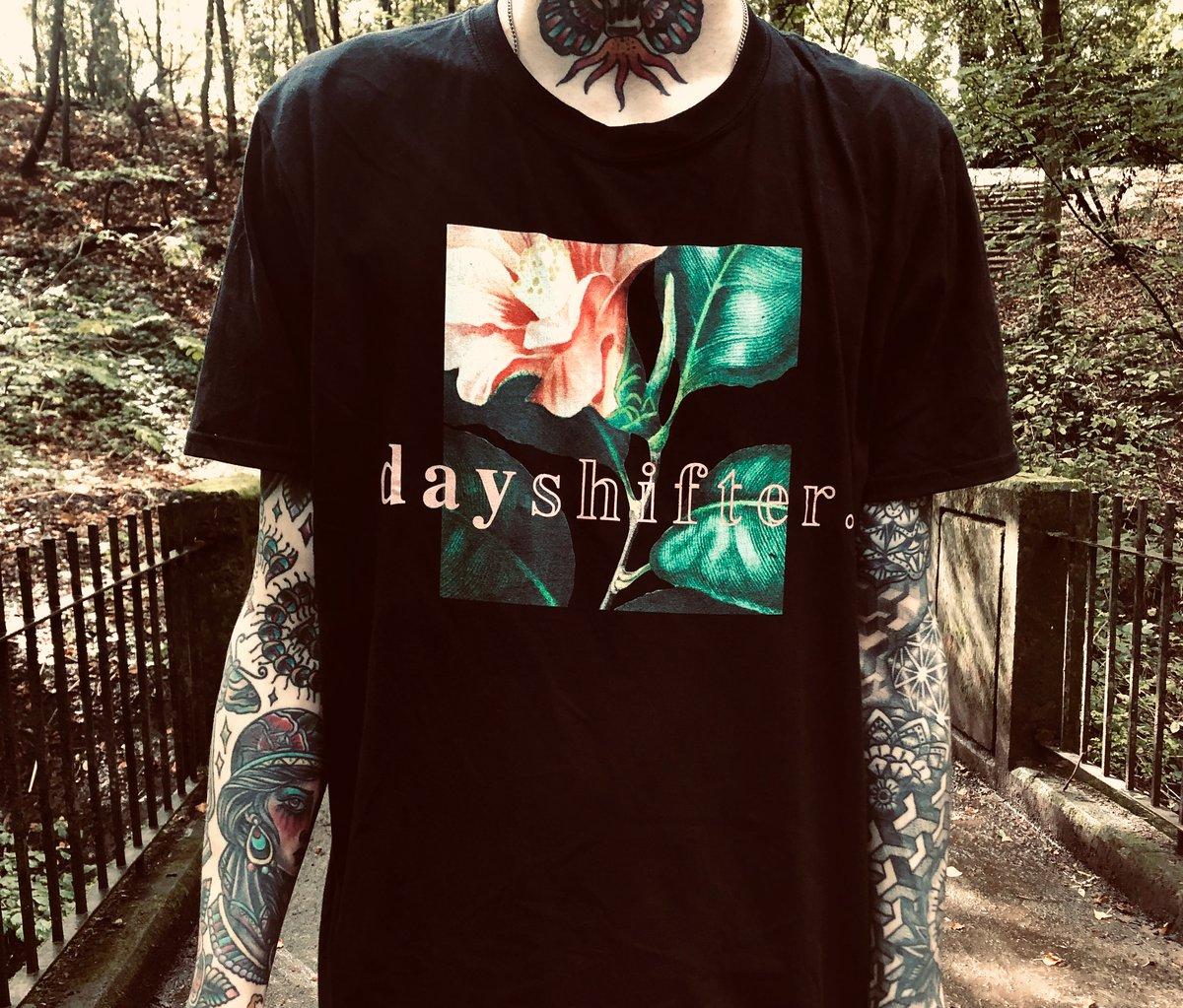 Image of 'DAYSHIFTER FLORAL' - T Shirt