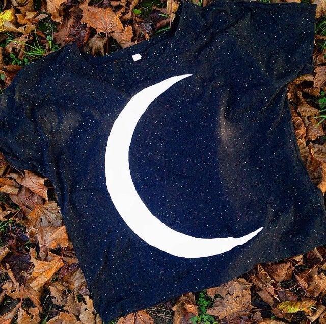"""""""Crescent Moon"""" speckled slub tee"""