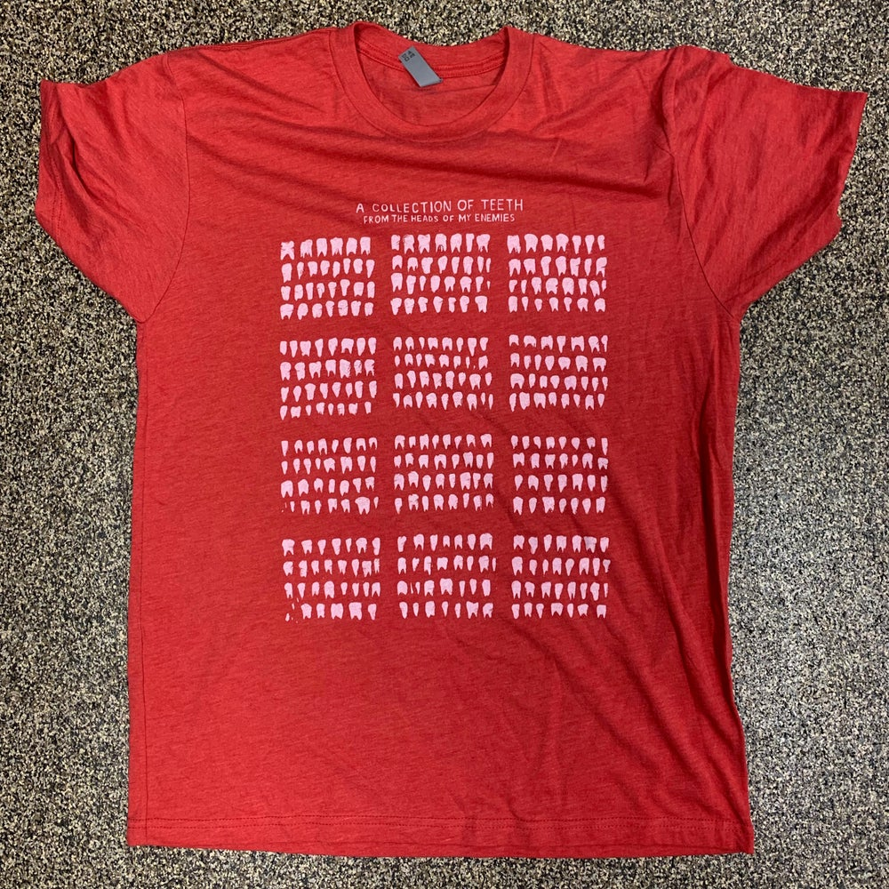 """A Collection of Teeth from the Heads of My Enemies"" Mondocon RED T-Shirts"