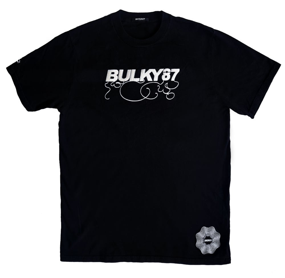 Image of BULKY TEE SHIRT BLACK AND WHITE // SIZE XL