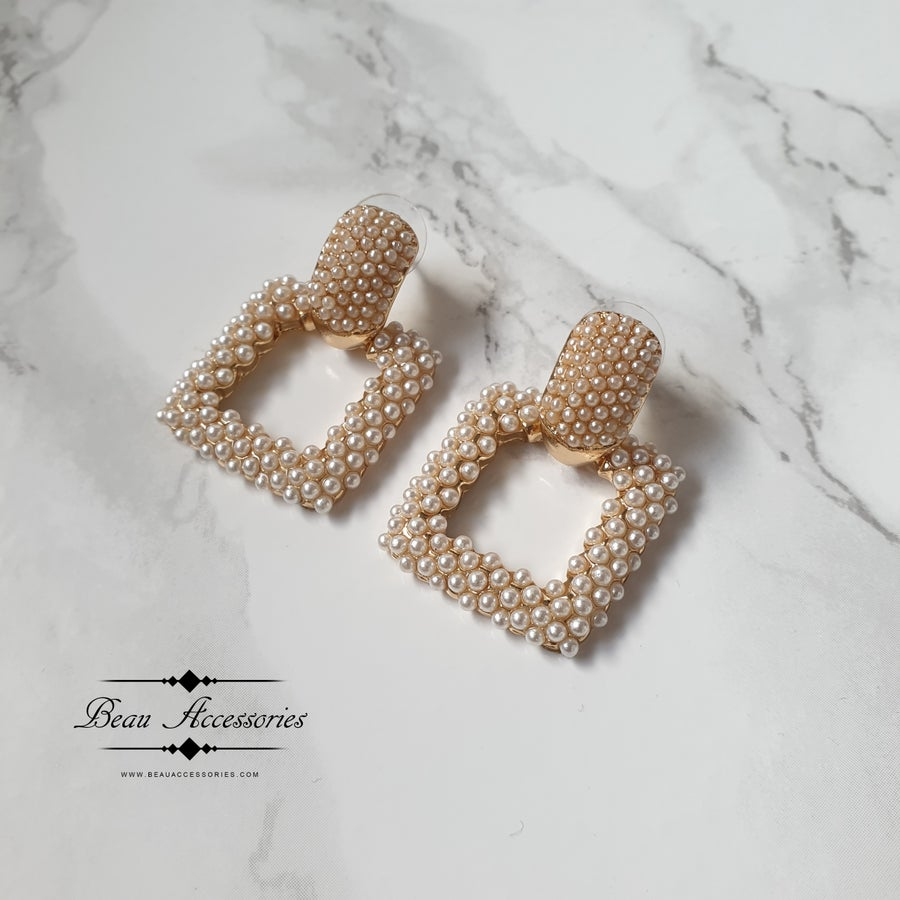 Image of Small Pearl Square Earrings