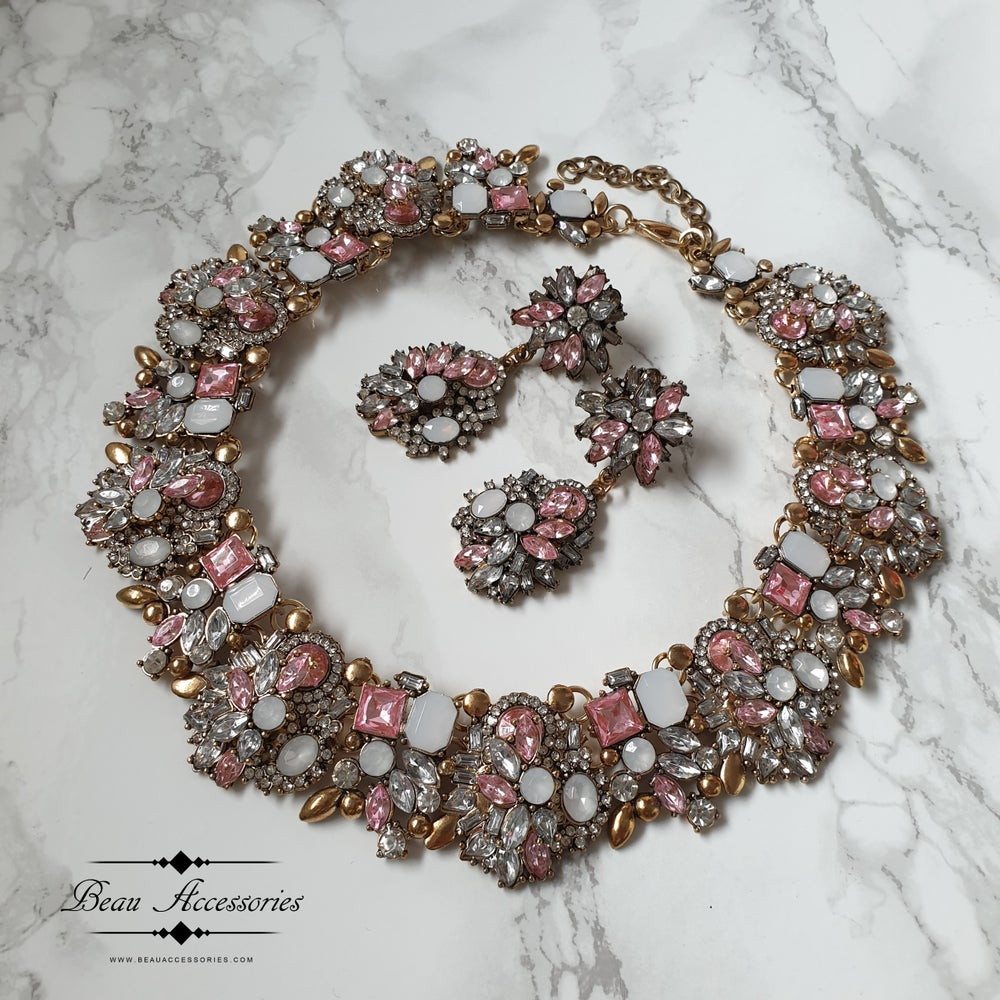 Image of Soft Pink Velencia Earrings and Necklace Set