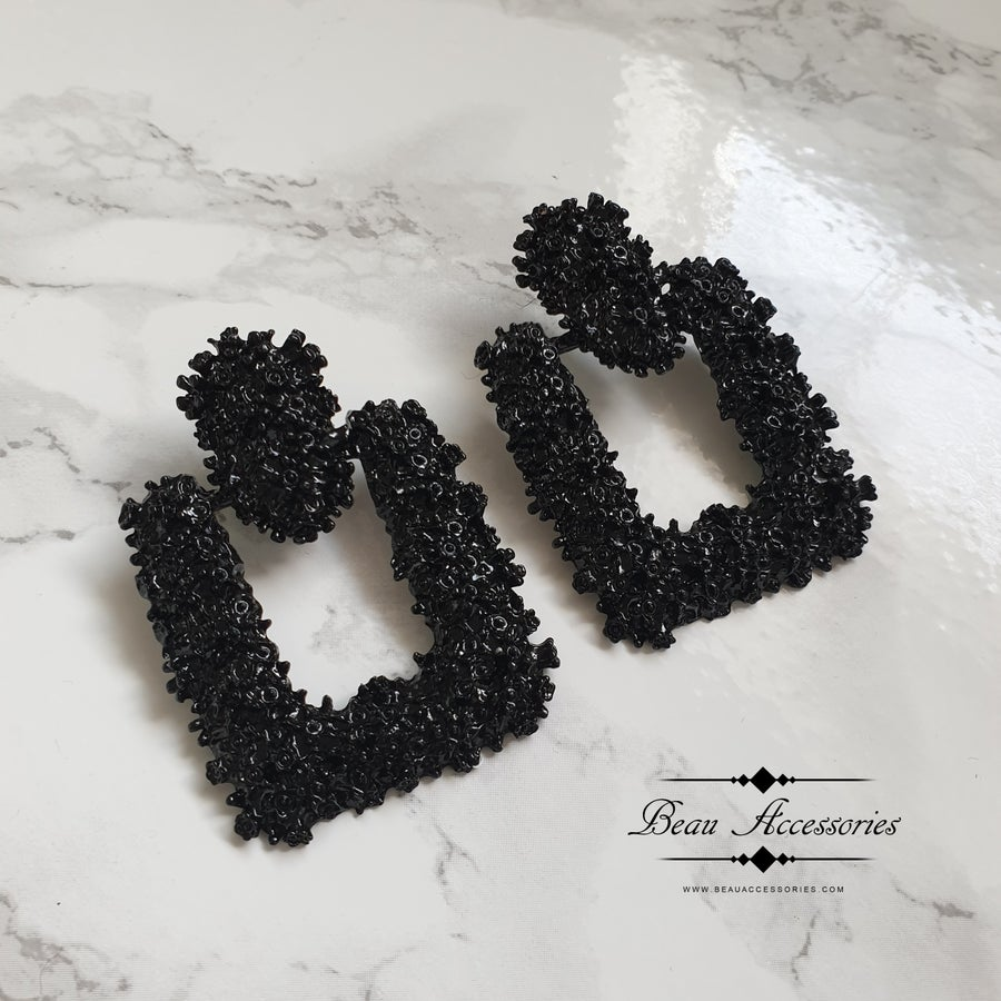 Image of Black Square Textured Earrings