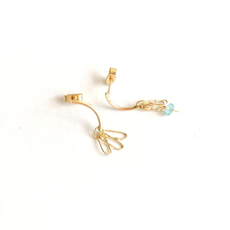 Image of drishti stud earrings 9ct yellow gold- single link