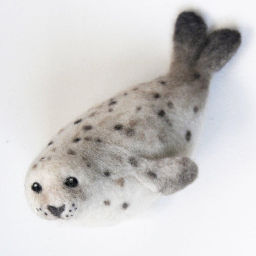 Image of Harbour Seal - Needle Felting Kit