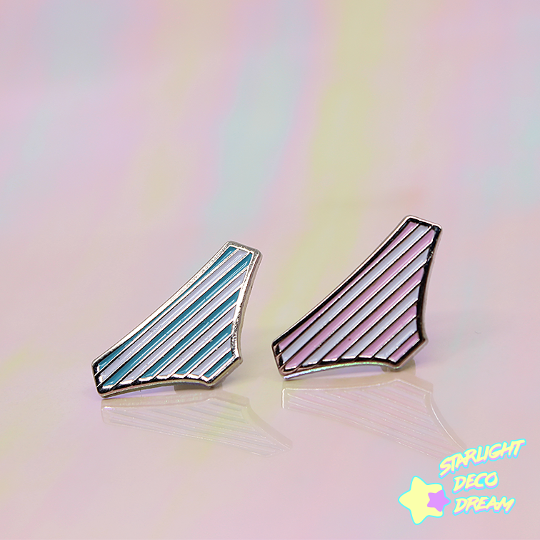 "Image of ""Shimapan Lover"" Soft Enamel Pin / B-Grade"