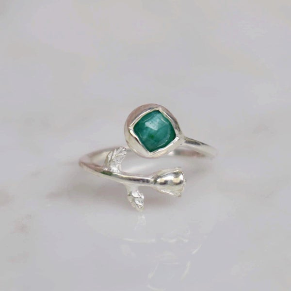 Image of Rosa silver ring x Emerald rose cut