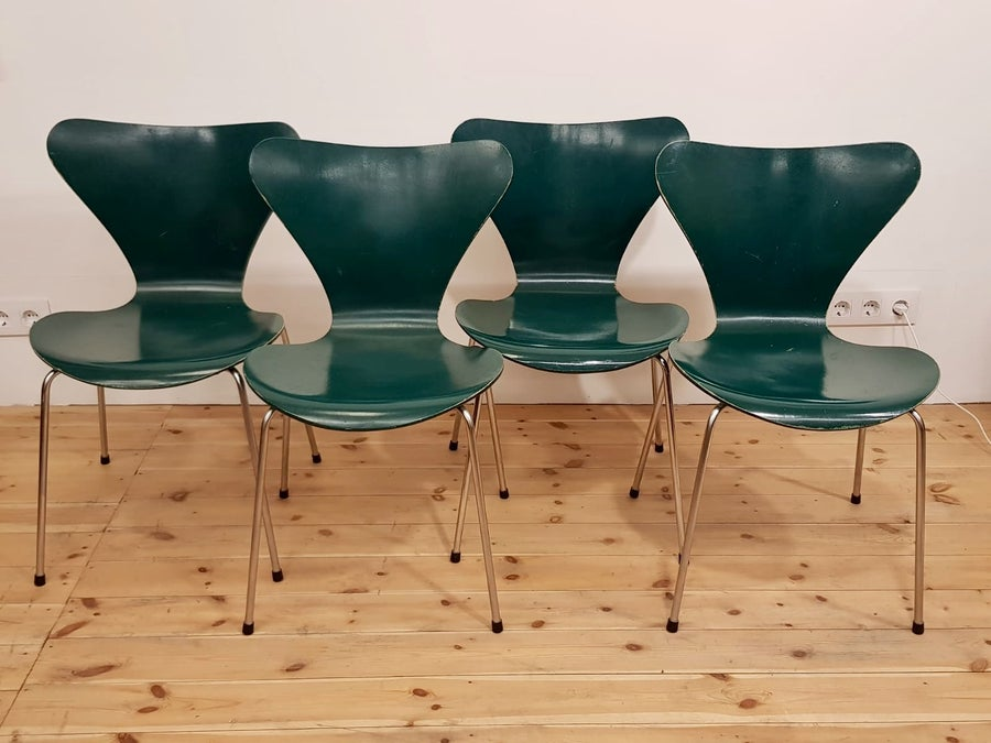 Image of Lote de 4 sillas, Arne Jacobsen