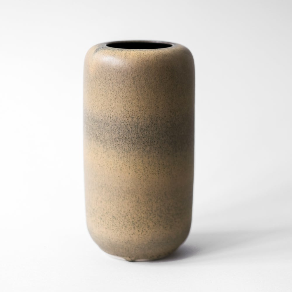 Image of UNIKA VASE IN BLACK AND GOLD GLAZE