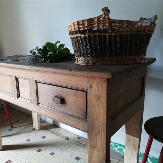 Image of Ancienne table de ferme rehaussée