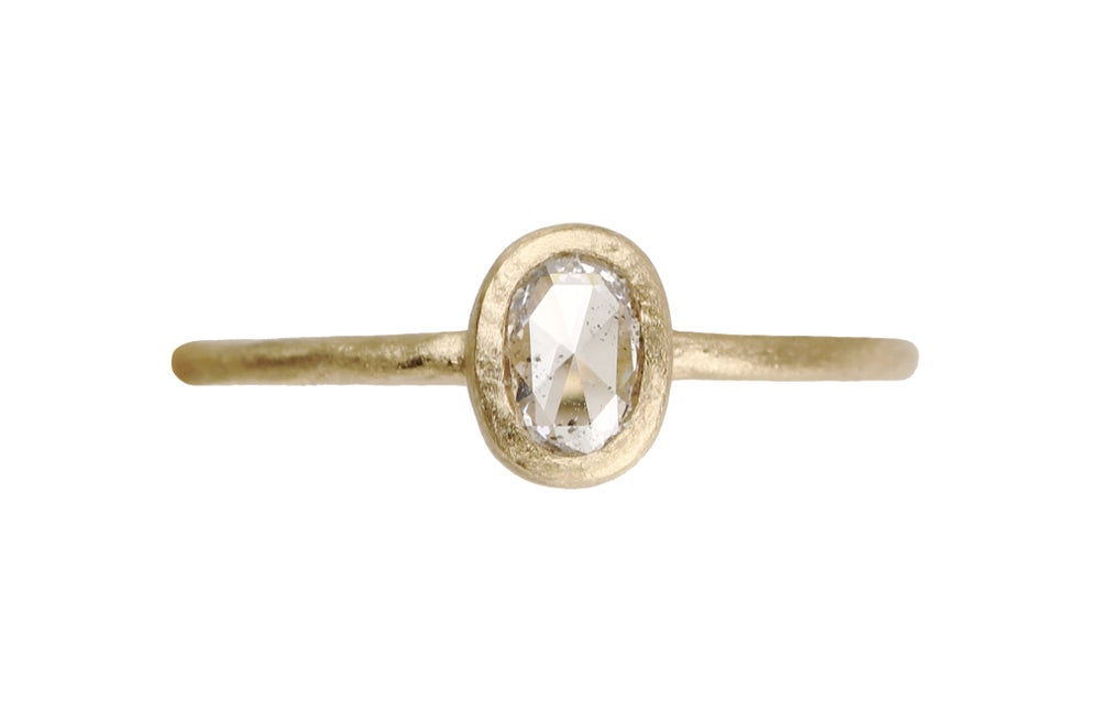 Image of Oval diamond engagement ring. 18k. Pierre