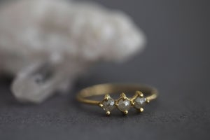Image of 18ct gold, grey rose-cut trilogy diamond ring (IOW130)